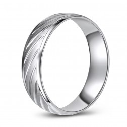 10K White Gold wedding Band with Diagonal Cut Pattern