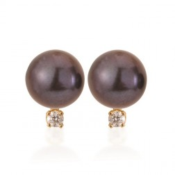 Cultured Black Pearl Stud with Diamond