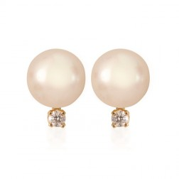 Cultured White Pearl Stud with Diamond